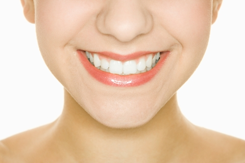 How Does Whitening Toothpaste Work?