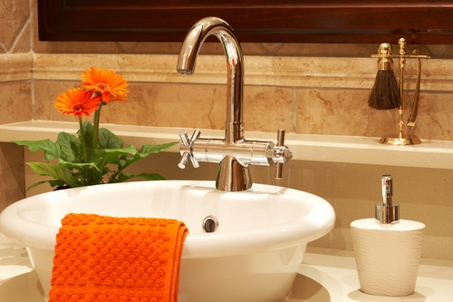 Top 3 tips to declutter your bathroom and improve your oral care regimen.