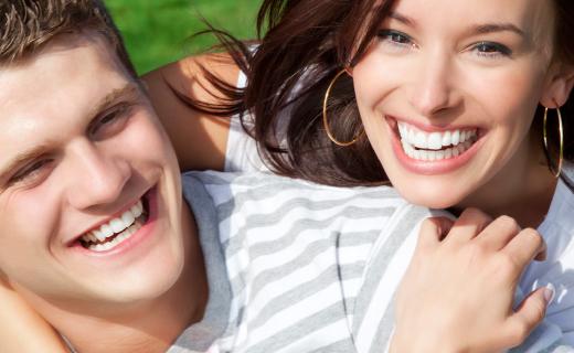 dca-blog_article-26_secrets-teeth-their-whitest